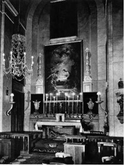 "1966 Photographs of the chapel: Luis Santa María, ""The Villahermosa Palace"", Blanco y Negro, 8 January 1966, pages 99 to 107. Original available at National Library and the Museo Municipal Archive."